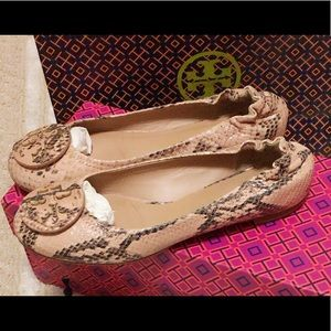 Tory Burch Flats shoes size 5.5